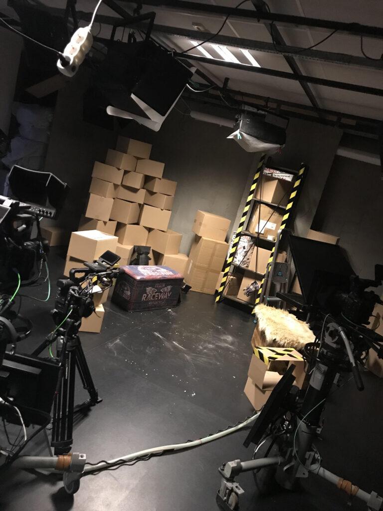 A DBRCN stúdiója az Alföld Televízióban.